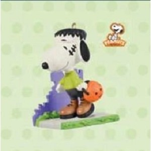 2011 A Monstrous Disguise (Snoopy), The Peanuts Gang, Halloween